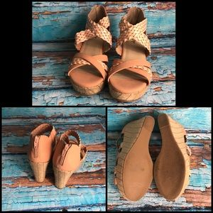 Daytrip Wedges With Zipper Back